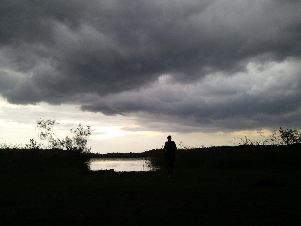 Wolken ziehen auf über dem Jez Sajno